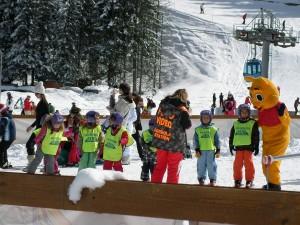 Family skiing, Bansko